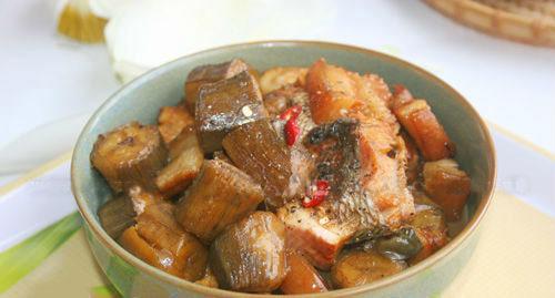 Cá kho chuối xanh - món ngon dân dã - 10