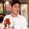 Kim Hyun Joong pha café ngọt lịm