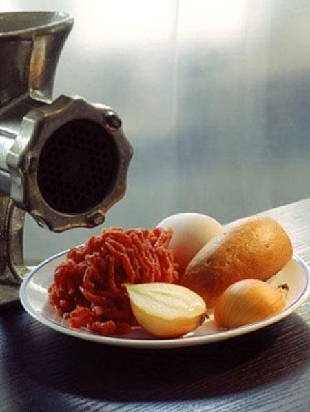 Bữa sáng thơm ngon với bánh mì xíu mại nóng giòn - 1