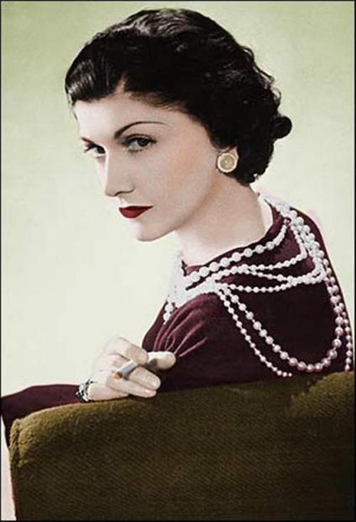 Váy của Lý Nhã Kỳ: Chat với Coco Chanel! - 1