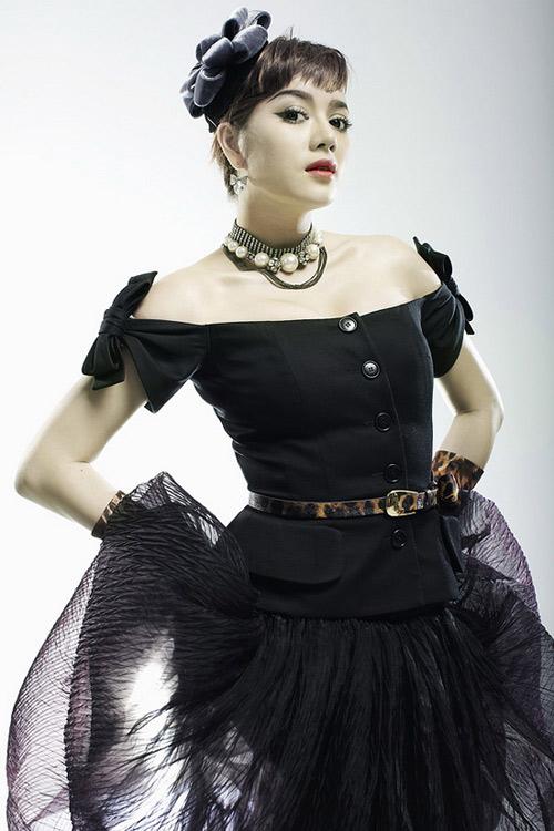 Váy của Lý Nhã Kỳ: Chat với Coco Chanel! - 6