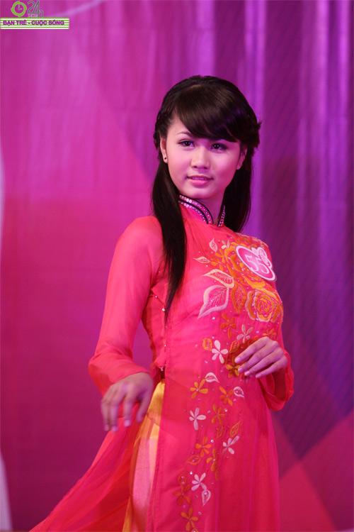 Nét duyên dáng của thiếu nữ Hà Nội - 2