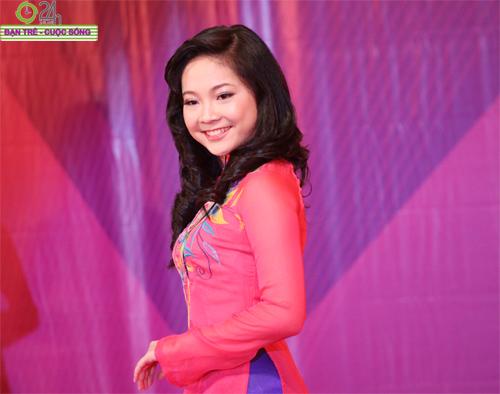 Nét duyên dáng của thiếu nữ Hà Nội - 7