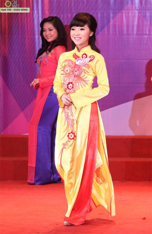 Nét duyên dáng của thiếu nữ Hà Nội - 9
