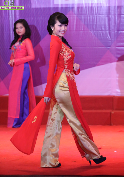 Nét duyên dáng của thiếu nữ Hà Nội - 11