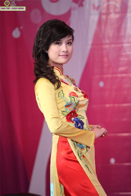 Nét duyên dáng của thiếu nữ Hà Nội - 18
