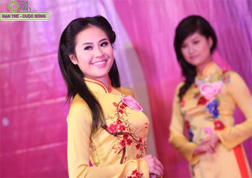 Nét duyên dáng của thiếu nữ Hà Nội - 20