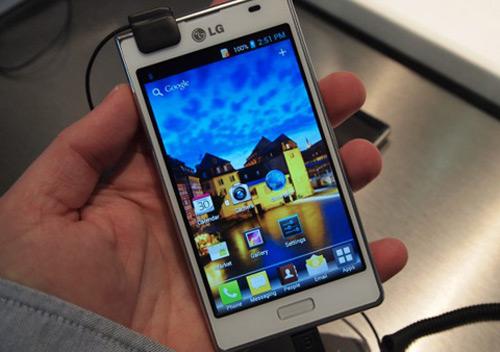 LG Optimus L7 giá 9 triệu đồng: Chưa thỏa - 1