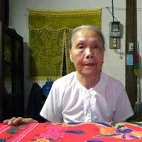 Cụ ông mang sính lễ hỏi cưới cụ bà 91
