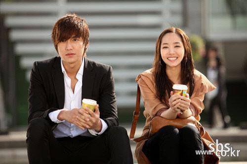 Phát sốt vì tin Lee Min Ho vẫn đang yêu - 5