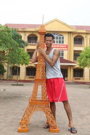 Kỷ lục Việt Nam: Mô hình tháp Eiffel bằng tăm lớn nhất - 2