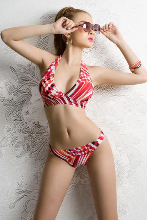 Phương Trinh khoe bikini ngày hè - 11