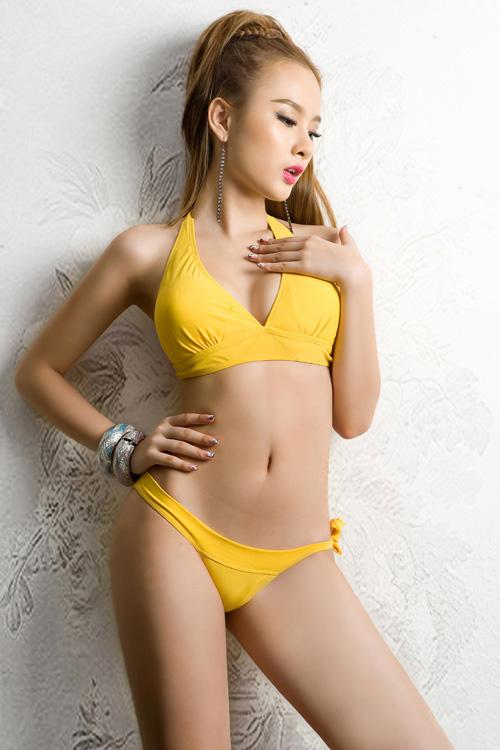 Phương Trinh khoe bikini ngày hè - 2