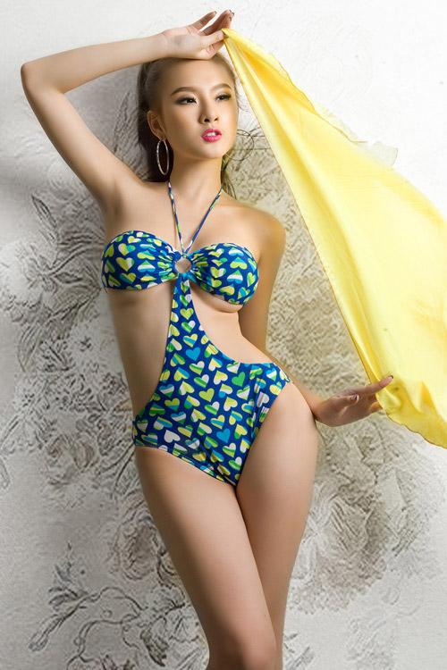 Phương Trinh khoe bikini ngày hè - 10