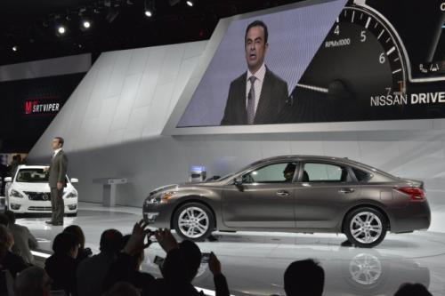 Nissan Altima – sedan cỡ trung giá mềm - 1