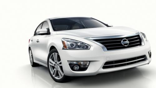 Nissan Altima – sedan cỡ trung giá mềm - 3