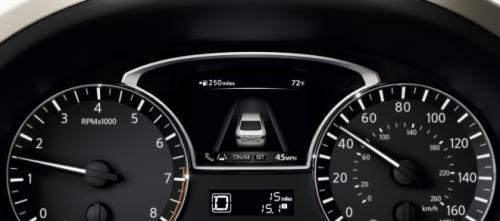 Nissan Altima – sedan cỡ trung giá mềm - 6