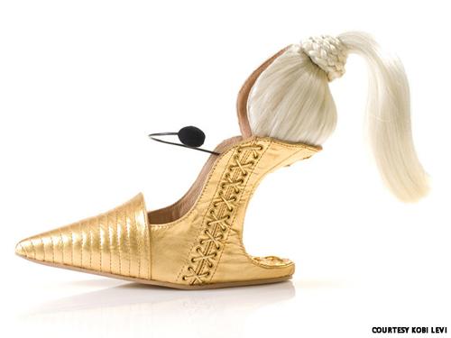Những đôi giày cao gót kỳ quái - 11