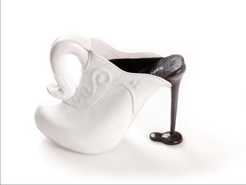 Những đôi giày cao gót kỳ quái - 4