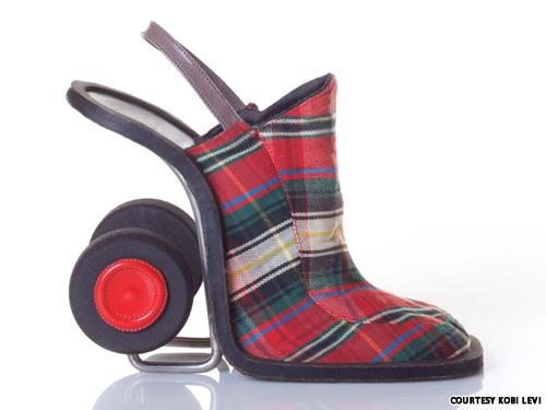 Những đôi giày cao gót kỳ quái - 9
