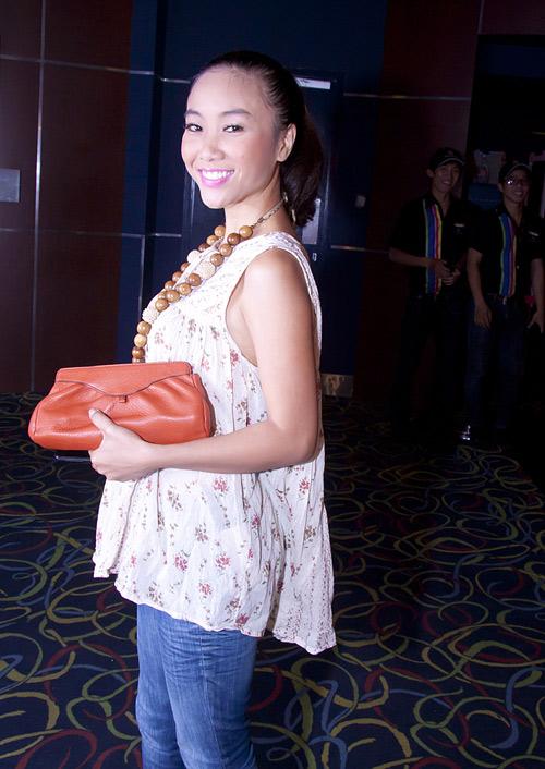 Angela Phương Trinh vai trần vẫn sến - 9
