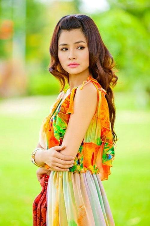 Mỹ nhân Việt thay đổi sắc đẹp từng ngày? - 9