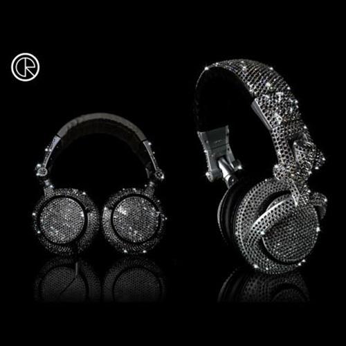 """Những tai nghe độ """"siêu khủng"""" của Crystal Rocked - 8"""