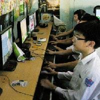 Vẫn tranh cãi về khoảng cách đại lý Internet gần trường học