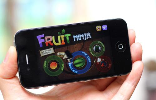 """HKPhone 4S-Retina: Không chỉ """"tốt nước sơn"""" - 1"""