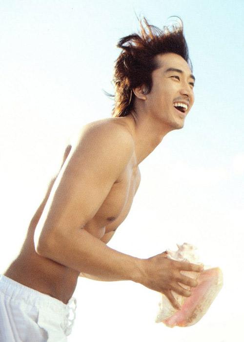 Song Seung Hun khoe thân hình vạm vỡ - 6