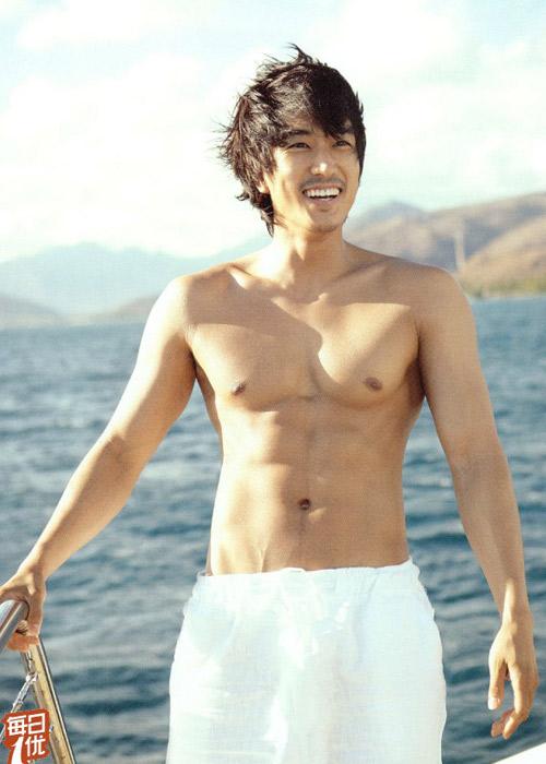Song Seung Hun khoe thân hình vạm vỡ - 4