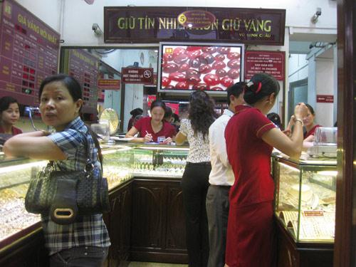Vàng Bảo Tín Minh Châu tăng mạnh - 1