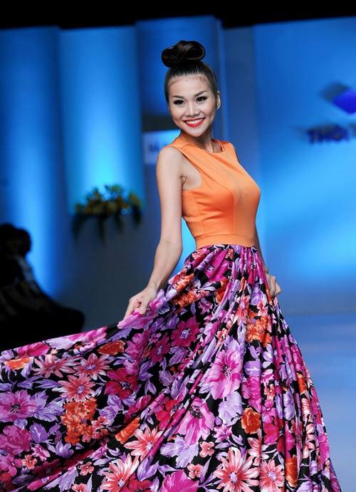 Tiết lộ cân nặng của người mẫu Việt - 2