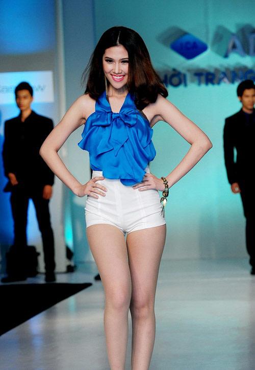 Tiết lộ cân nặng của người mẫu Việt - 3
