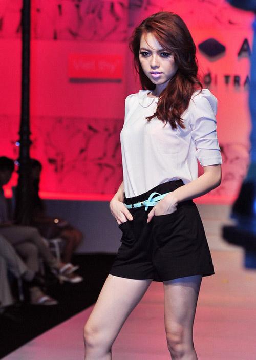 Tiết lộ cân nặng của người mẫu Việt - 6