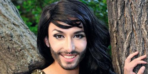 Nữ ca sỹ có râu gây xôn xao - 11