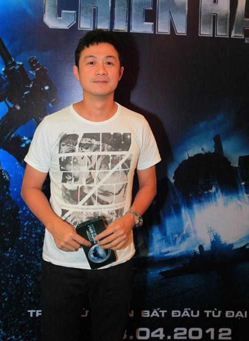 Quỳnh Nga diện sooc ren đi xem phim - 4