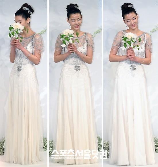 Jeon Ji Hyun đẹp như mơ trong ngày cưới - 11