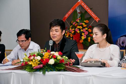 Lệ Quyên giản dị mừng Quang Lê ra album - 5