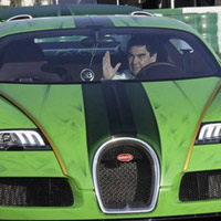 Tổng thống Turkmenistan lái siêu xe Bugatti