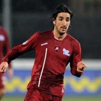 Video: Cầu thủ Serie B đột tử trên sân