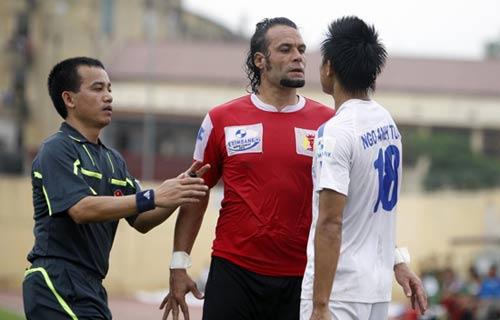 Cầu thủ Thanh Hóa, Ninh Bình suýt đánh nhau - 5