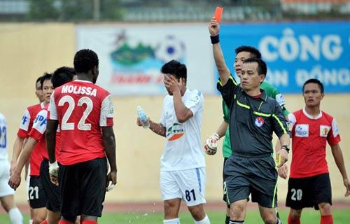 Cầu thủ Thanh Hóa, Ninh Bình suýt đánh nhau - 6