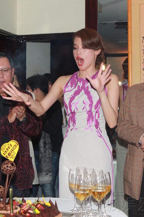 Thư Kỳ say xỉn trong tiệc sinh nhật - 2