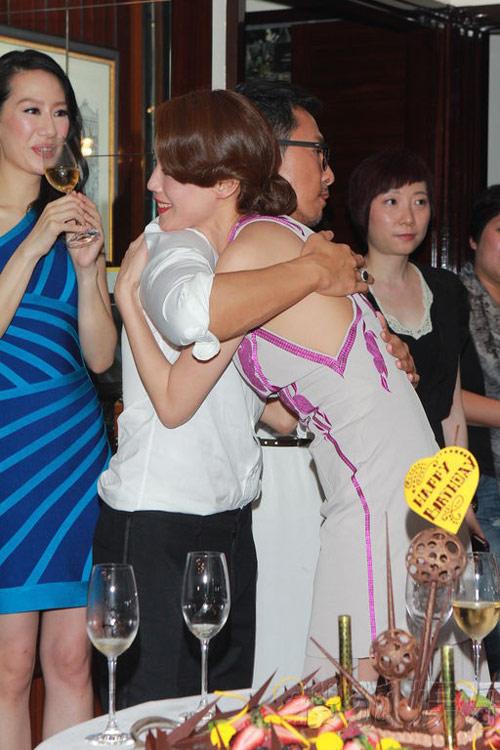 Thư Kỳ say xỉn trong tiệc sinh nhật - 8