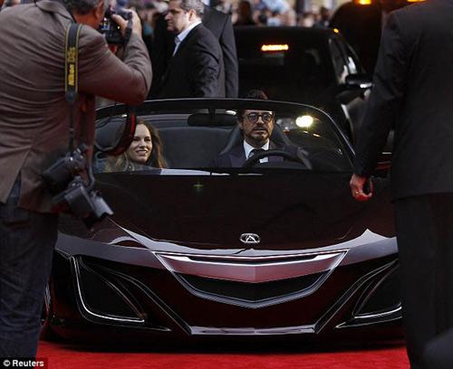 Robert Downey Jr xuất hiện cùng siêu xe 9 triệu đô - 2
