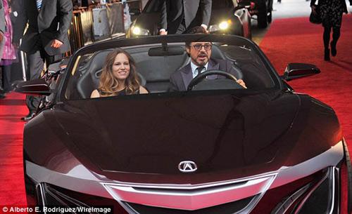 Robert Downey Jr xuất hiện cùng siêu xe 9 triệu đô - 3