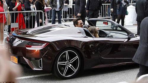 Robert Downey Jr xuất hiện cùng siêu xe 9 triệu đô - 1