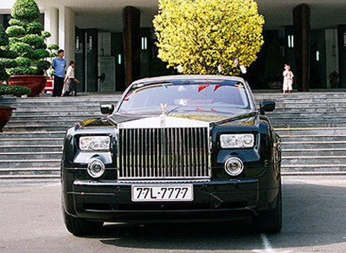 """""""Soi"""" những chiếc Rolls-Royce đình đám nhất Việt Nam - 1"""