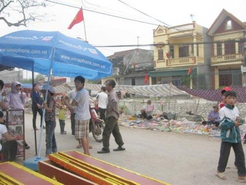 Thực hư vụ mang quan tài khủng bố ở Nam Định - 1